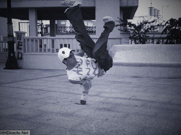 KINDNESS_777 PARA TODOS: YO HACIENDO BREAK,DANCE